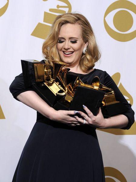 Grammy'den Adele geçti